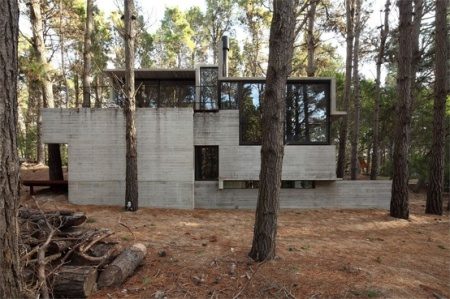 BAK Arquitectos, Levels house, Mar Azul, Argentina, 2011