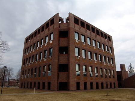 Louis Kahn,Exeter Library